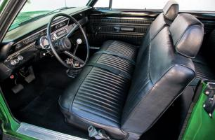 Прикрепленное изображение: 1969-dodge-dart-swinger-340-interior.jpg