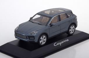 Прикрепленное изображение: Porsche-Cayenne-Minichamps-WAP-020-311-0J-0.jpg