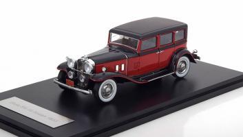 Прикрепленное изображение: Stutz SV-16 Sedan Limousine 1933.jpg