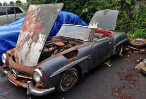 Прикрепленное изображение: Rusty-Mercedes-190SL-600x406.jpg