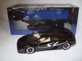 Прикрепленное изображение: Lamborghini_DiabloSV_Noir_AA_01.JPG