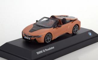 Прикрепленное изображение: BMW i8 Roadster 2018.jpg