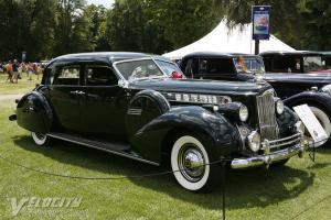Прикрепленное изображение: Packard Super  Sport Sedan by Darrin 1940.jpg
