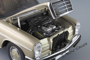 Прикрепленное изображение: Mercedes-Benz 280 C W114 Autoart 76186_12.JPG