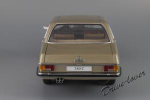 Прикрепленное изображение: Mercedes-Benz 280 C W114 Autoart 76186_06.JPG