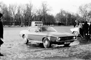 Прикрепленное изображение: 1971 Мустанг в Сокольниках.jpg