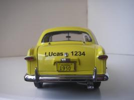 Прикрепленное изображение: Ford Deluxe Fordor Sedan 1950 (Precision Miniatures) (16).JPG