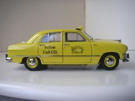 Прикрепленное изображение: Ford Deluxe Fordor Sedan 1950 (Precision Miniatures) (3).JPG