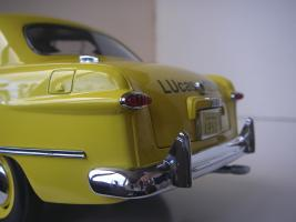 Прикрепленное изображение: Ford Deluxe Fordor Sedan 1950 (Precision Miniatures) (18).JPG