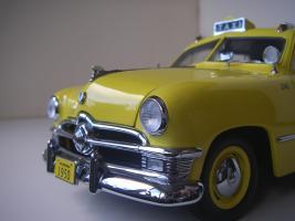 Прикрепленное изображение: Ford Deluxe Fordor Sedan 1950 (Precision Miniatures) (17).JPG