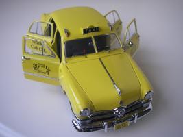 Прикрепленное изображение: Ford Deluxe Fordor Sedan 1950 (Precision Miniatures) (13).JPG