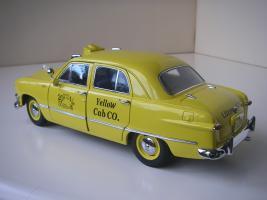 Прикрепленное изображение: Ford Deluxe Fordor Sedan 1950 (Precision Miniatures) (7).JPG