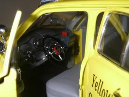 Прикрепленное изображение: Ford Deluxe Fordor Sedan 1950 (Precision Miniatures) (24).JPG