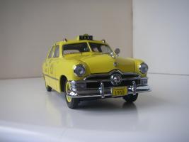 Прикрепленное изображение: Ford Deluxe Fordor Sedan 1950 (Precision Miniatures) (4).JPG
