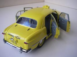 Прикрепленное изображение: Ford Deluxe Fordor Sedan 1950 (Precision Miniatures) (14).JPG