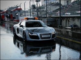 Прикрепленное изображение: Audi R8 safety_1.jpg