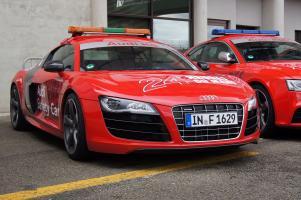 Прикрепленное изображение: Audi R8 safety_3.jpg
