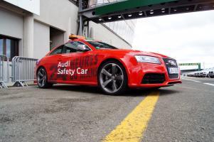 Прикрепленное изображение: Audi RS5 safety_2.jpg