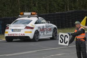 Прикрепленное изображение: Audi TTRS safety.jpg