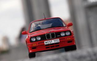 Прикрепленное изображение: BMW M3 E30 (34)-001.JPG