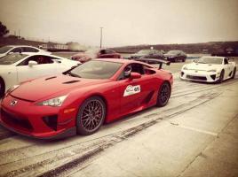 Прикрепленное изображение: 12-08-23-lexus-lfa-owners-meet-nurburgring.jpg