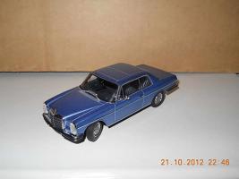 Прикрепленное изображение: Colobox_Mercedes-Benz_280C_Strich-8_C114_AutoArt~01.jpg
