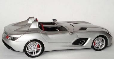 Прикрепленное изображение: 1zu18_Mercedes-Benz_SLR_Z199_Sterling_Moss_silbermet_MB_Minichamps_B66963956_18954_04.JPG