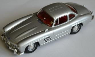 Прикрепленное изображение: Mercedes Benz 300SL 001.jpg