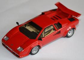 Прикрепленное изображение: Lamborghini Countach LP500 001.jpg
