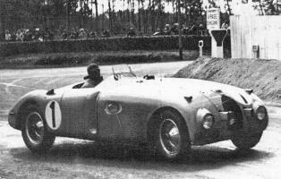 Прикрепленное изображение: le_mans_1939-bugatti.jpg