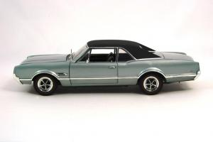 Прикрепленное изображение: 1966 Oldsmobile 4-4-2 (2).JPG