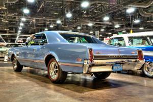 Прикрепленное изображение: 1966 Oldsmobile 4-4-2 (23).jpg