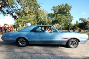 Прикрепленное изображение: 1966 Oldsmobile 4-4-2 (22).JPG