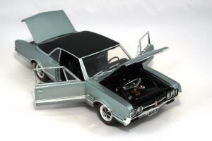 Прикрепленное изображение: 1966 Oldsmobile 4-4-2 (6).JPG