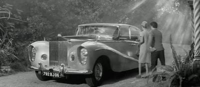 Прикрепленное изображение: 1956 Hooper ch LELW7403 02.jpg