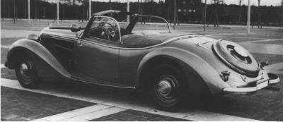 Прикрепленное изображение: horch 1938 930v_RoadsterCabriolet 1.jpg