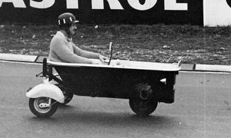Прикрепленное изображение: Graham_Hill_Bathtub_racing_2_Nurburgring_1962.jpg