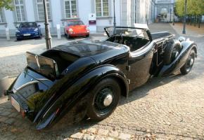 Прикрепленное изображение: Audi_225_Front_Roadster_Erdmann_und_Rossi(2)GMJ_display.jpg