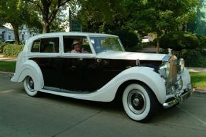 Прикрепленное изображение: 1946 Rolls Royce Silver Wraith Jack Taylor.jpg