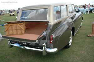 Прикрепленное изображение: 59_Rolls_Estate_Wagon_NY_Show_Car_DV_06_PBI_02.jpg