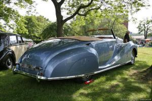 Прикрепленное изображение: Franay_Rolls-Royce_Silver_Wraith_DHC_1947_09.JPG