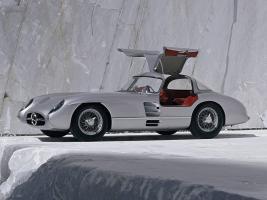 Прикрепленное изображение: Mercedes-300-slr-uhlenhaut-coupe-w196s-1955-Photo-09.jpg