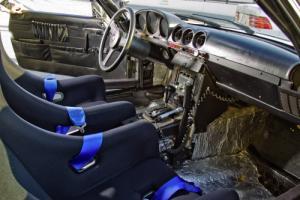 Прикрепленное изображение: Mercedes-R107-interior.jpg