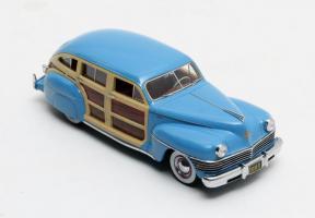 Прикрепленное изображение: Chrysler Town&Country 1942.jpg