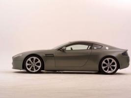 Прикрепленное изображение: Aston-Martin_Vantage_AMV8_1024x768_7.jpg