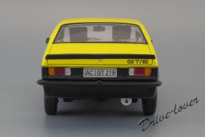 Прикрепленное изображение: Opel Kadett C Coupe GT-E Minichamps 180045621_06.jpg