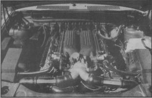 Прикрепленное изображение: Maserati Shamal Engine.jpg