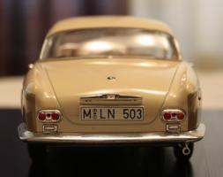 Прикрепленное изображение: BMW 503 - szadi.jpg