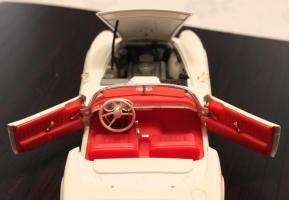 Прикрепленное изображение: BMW 507 - salon2.jpg