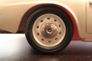 Прикрепленное изображение: BMW 507 - koleso.jpg